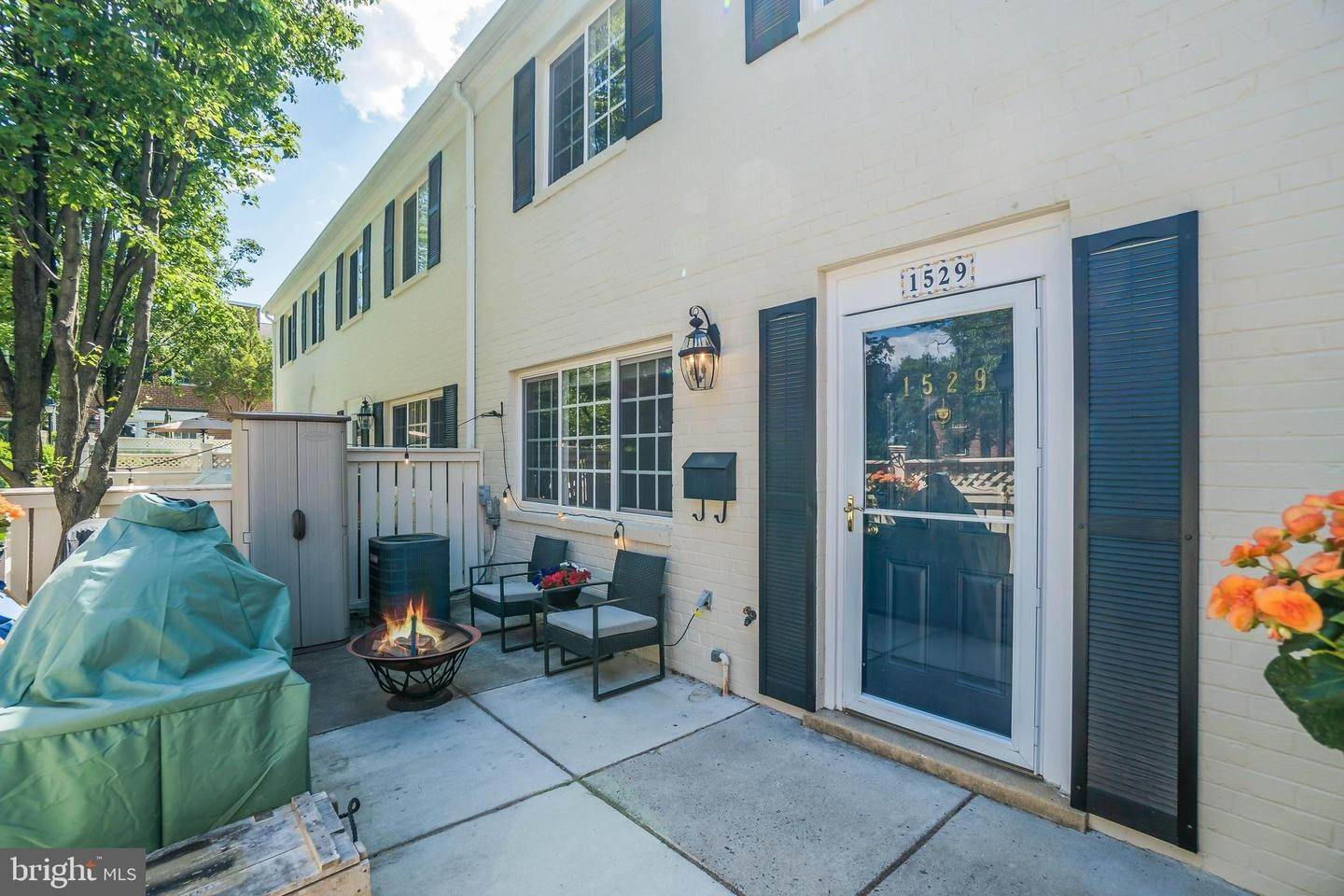 Single Family for Sale at Alexandria, Virginia 22304